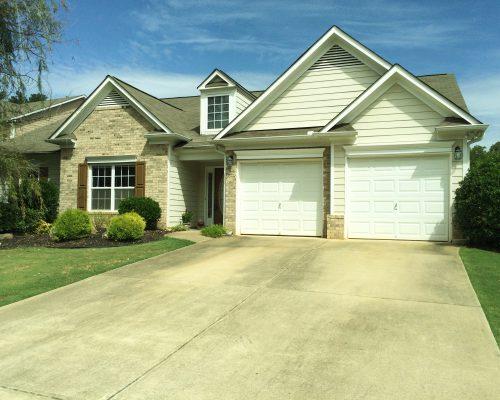 302 Evergreen Court Canton, Georgia 30115
