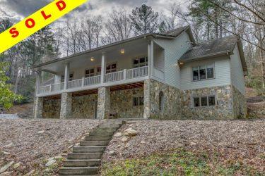 699 Mountain Creek Hollow Dr Talking Rock, GA 30175